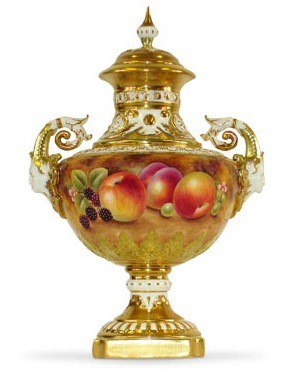 antique vase at antique auction